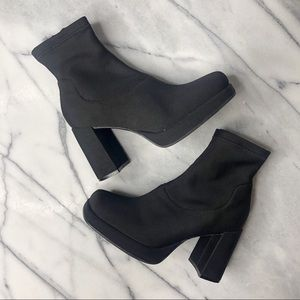 HIGHLIGHTS Vintage 90s Square Toe Sock Boots